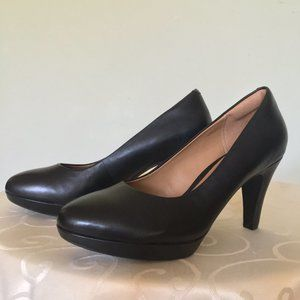Clarks  Brier Dolly - Black leather pumps  NWOT 9M